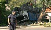 Камион се обърна на главния път в Княжево
